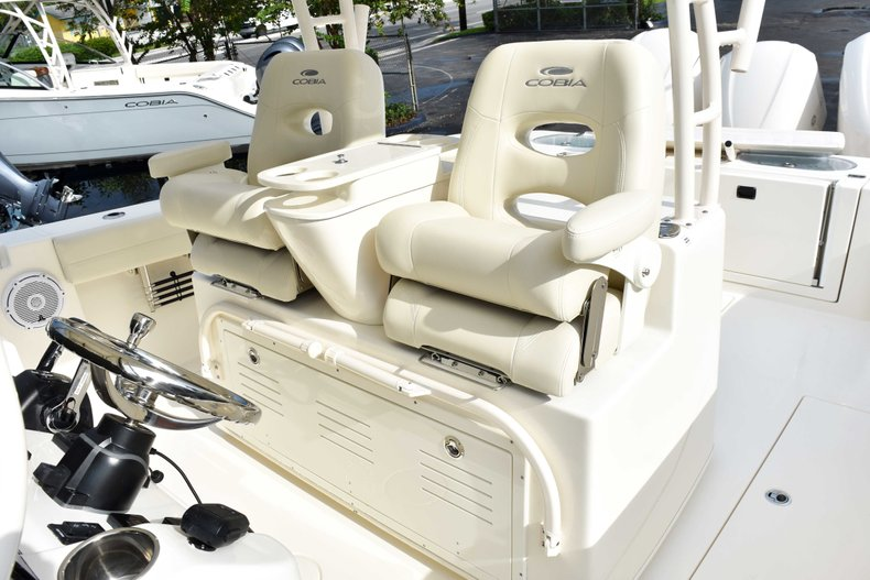 Thumbnail 37 for New 2019 Cobia 344 Center Console boat for sale in Fort Lauderdale, FL