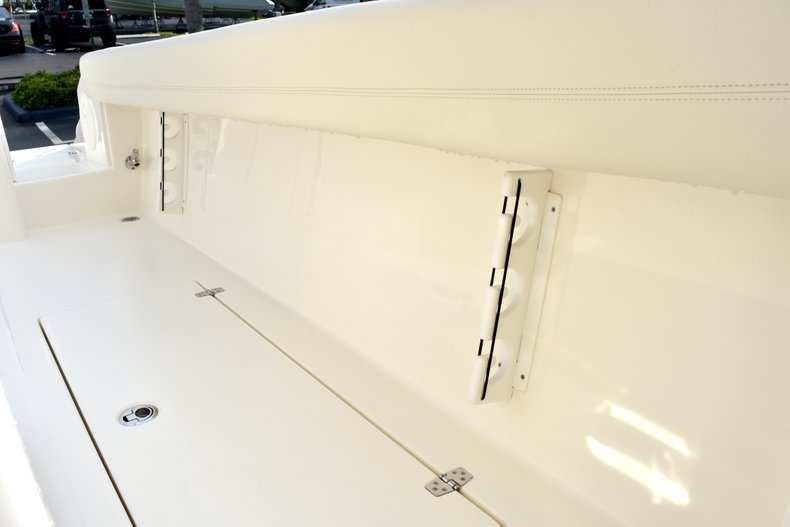 Thumbnail 22 for New 2019 Cobia 344 Center Console boat for sale in Fort Lauderdale, FL