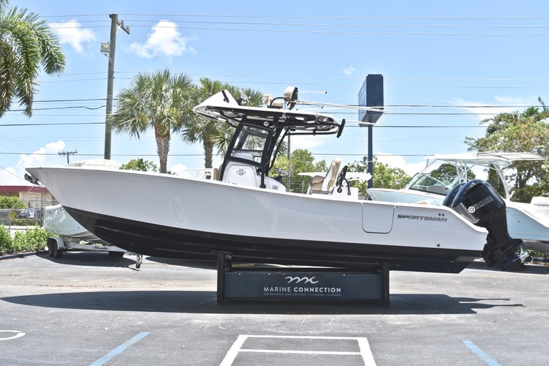 Thumbnail 6 for New 2019 Sportsman Open 282 TE Center Console boat for sale in Fort Lauderdale, FL