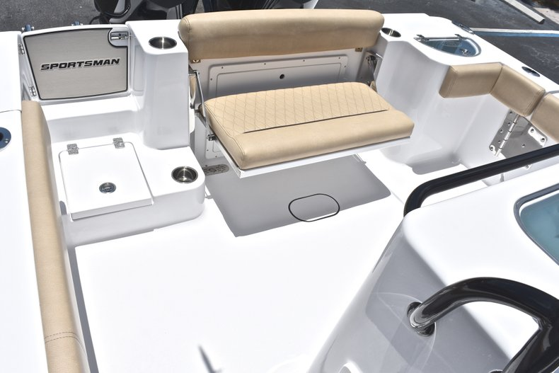 Thumbnail 23 for New 2019 Sportsman Open 282 TE Center Console boat for sale in West Palm Beach, FL