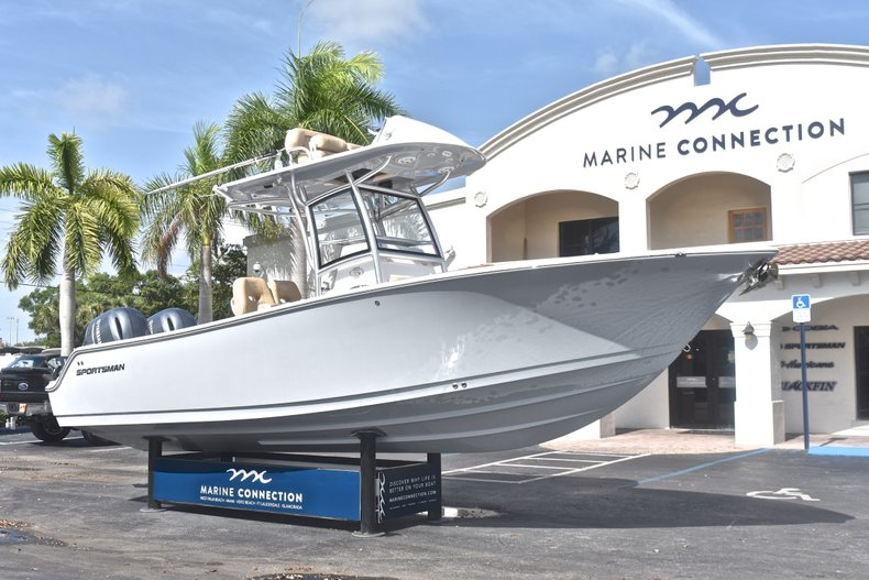 Thumbnail 1 for New 2019 Sportsman Open 252 Center Console boat for sale in West Palm Beach, FL