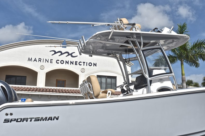 Thumbnail 9 for New 2019 Sportsman Open 252 Center Console boat for sale in West Palm Beach, FL
