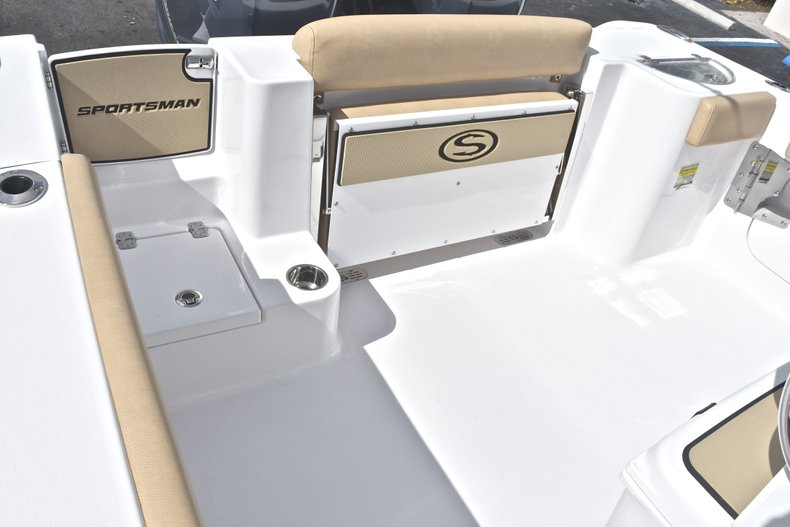 Thumbnail 12 for New 2019 Sportsman Open 252 Center Console boat for sale in West Palm Beach, FL