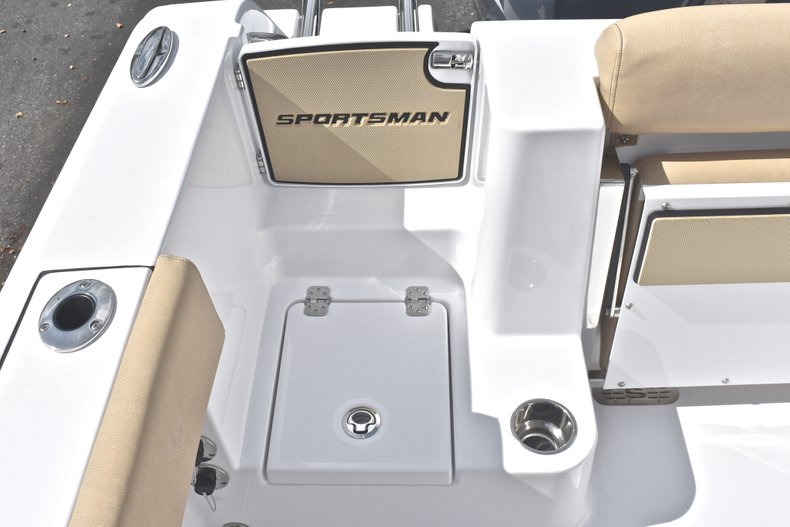 Thumbnail 13 for New 2019 Sportsman Open 252 Center Console boat for sale in West Palm Beach, FL