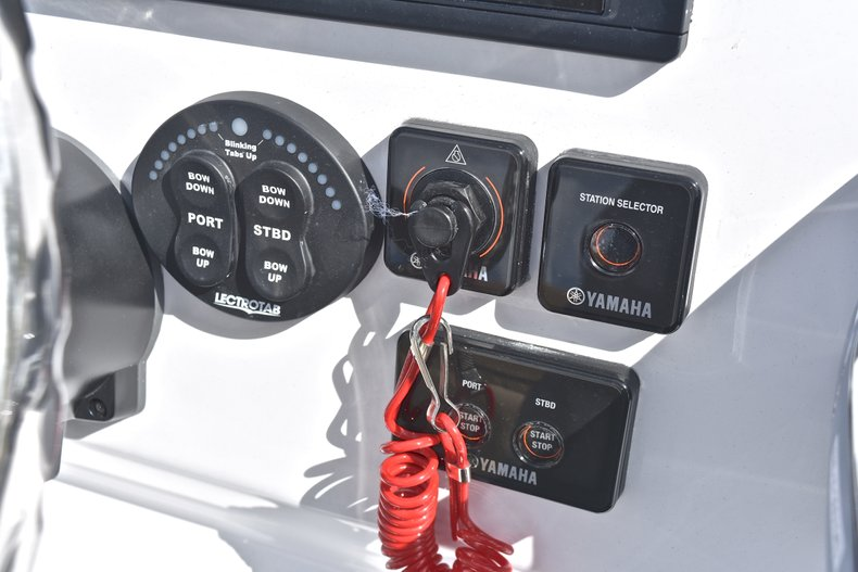 Thumbnail 43 for New 2019 Sportsman Open 252 Center Console boat for sale in West Palm Beach, FL