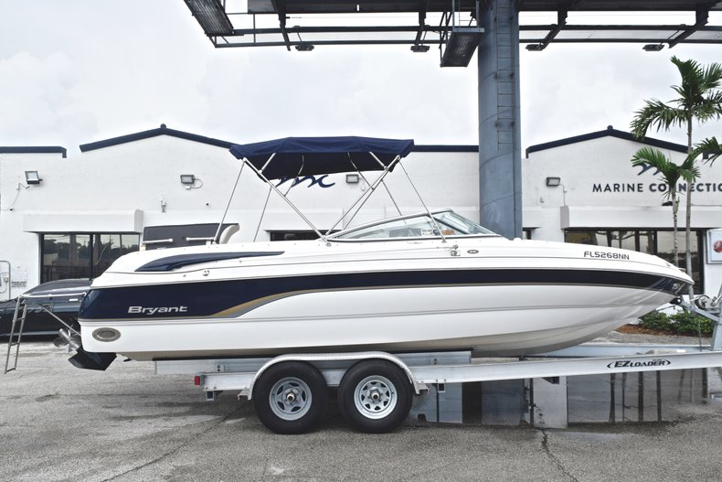 Photo for 2007 Bryant 240 Bowrider