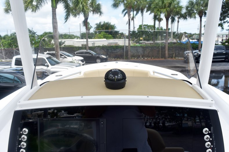 Thumbnail 29 for New 2019 Sportsman Heritage 231 Center Console boat for sale in Fort Lauderdale, FL