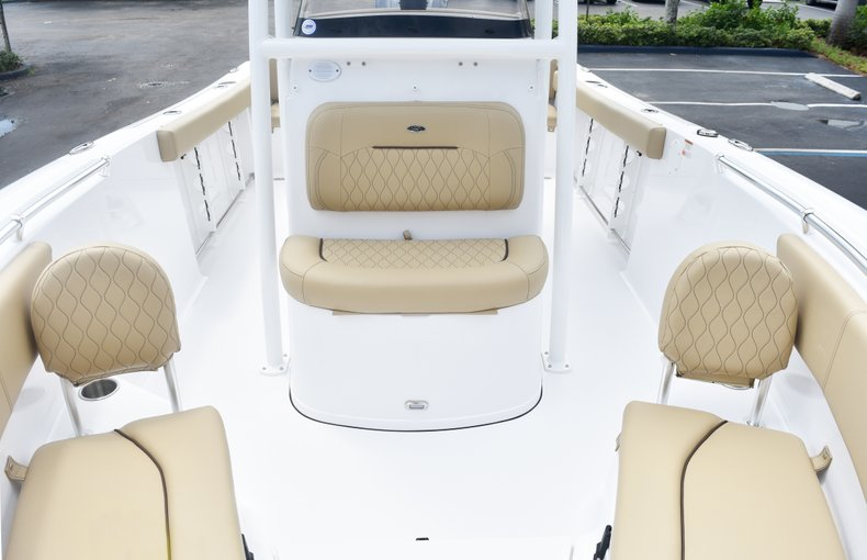 Thumbnail 49 for New 2019 Sportsman Heritage 231 Center Console boat for sale in Fort Lauderdale, FL
