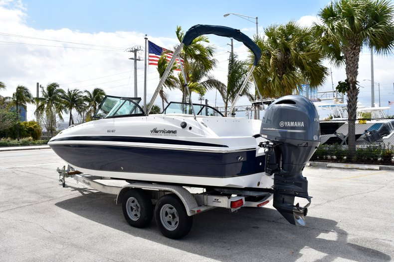 Thumbnail 7 for New 2019 Hurricane SunDeck SD 187 OB boat for sale in Fort Lauderdale, FL