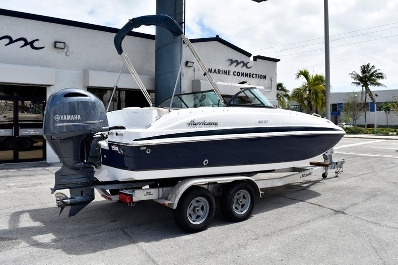 Thumbnail 5 for New 2019 Hurricane SunDeck SD 187 OB boat for sale in Fort Lauderdale, FL