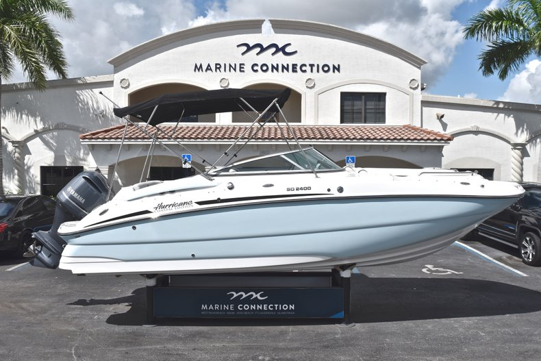 New 2019 Hurricane SunDeck SD 2400 OB boat for sale in Fort Lauderdale, FL