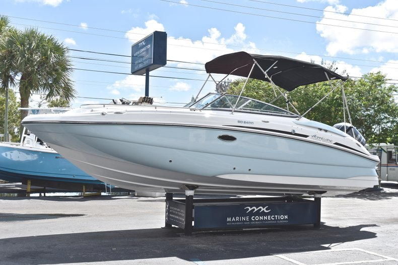 Thumbnail 3 for New 2019 Hurricane SunDeck SD 2400 OB boat for sale in Fort Lauderdale, FL