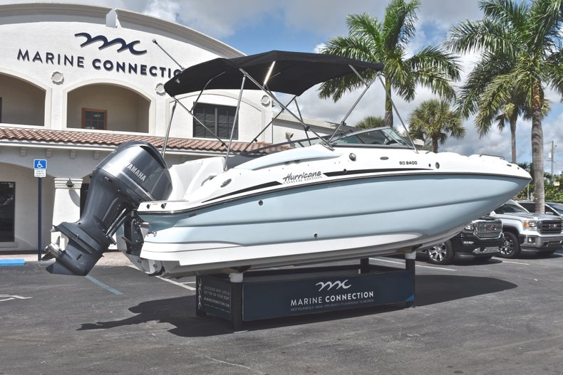 Thumbnail 7 for New 2019 Hurricane SunDeck SD 2400 OB boat for sale in Fort Lauderdale, FL