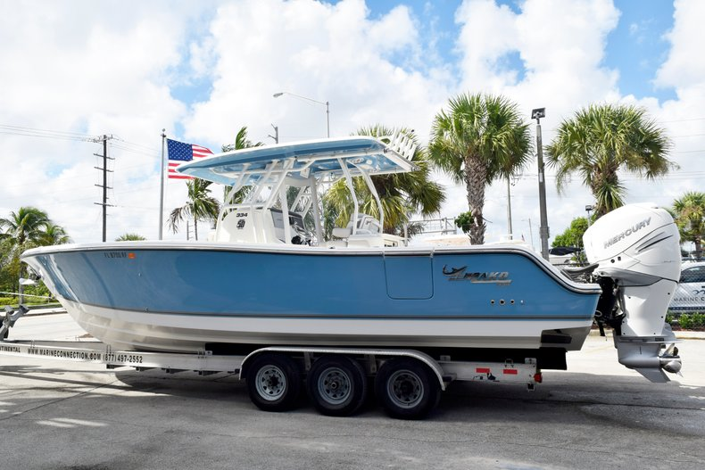 Thumbnail 4 for Used 2017 Mako 334 Center Console boat for sale in Fort Lauderdale, FL
