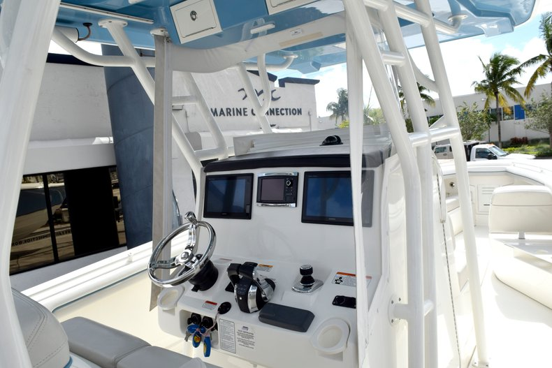 Thumbnail 55 for Used 2017 Mako 334 Center Console boat for sale in Fort Lauderdale, FL