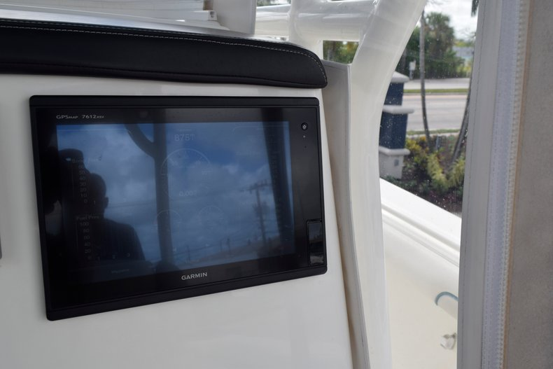 Thumbnail 58 for Used 2017 Mako 334 Center Console boat for sale in Fort Lauderdale, FL