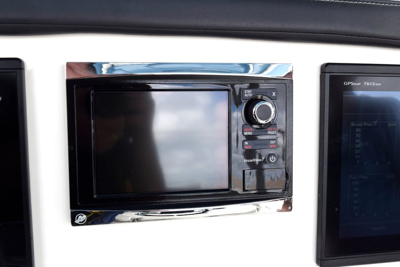 Thumbnail 57 for Used 2017 Mako 334 Center Console boat for sale in Fort Lauderdale, FL