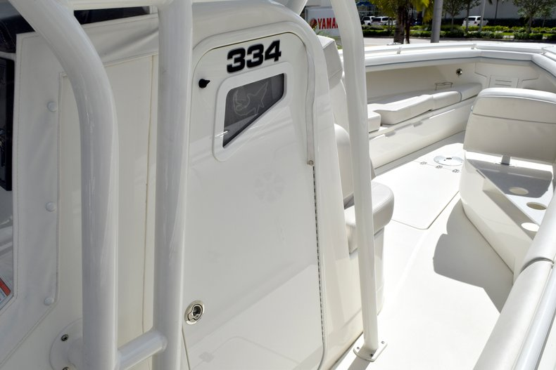 Thumbnail 71 for Used 2017 Mako 334 Center Console boat for sale in Fort Lauderdale, FL