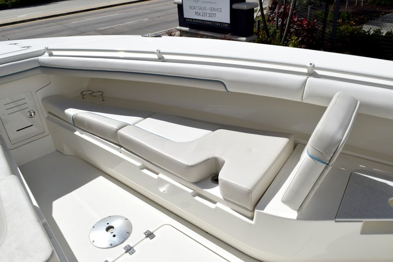 Thumbnail 78 for Used 2017 Mako 334 Center Console boat for sale in Fort Lauderdale, FL