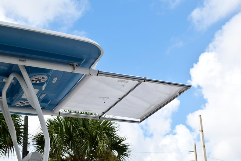 Thumbnail 12 for Used 2017 Mako 334 Center Console boat for sale in Fort Lauderdale, FL