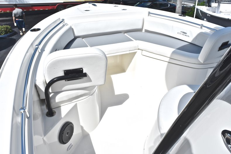 Thumbnail 39 for New 2019 Cobia 220 Center Console boat for sale in Fort Lauderdale, FL