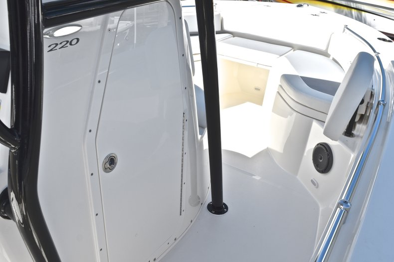 Thumbnail 34 for New 2019 Cobia 220 Center Console boat for sale in Fort Lauderdale, FL