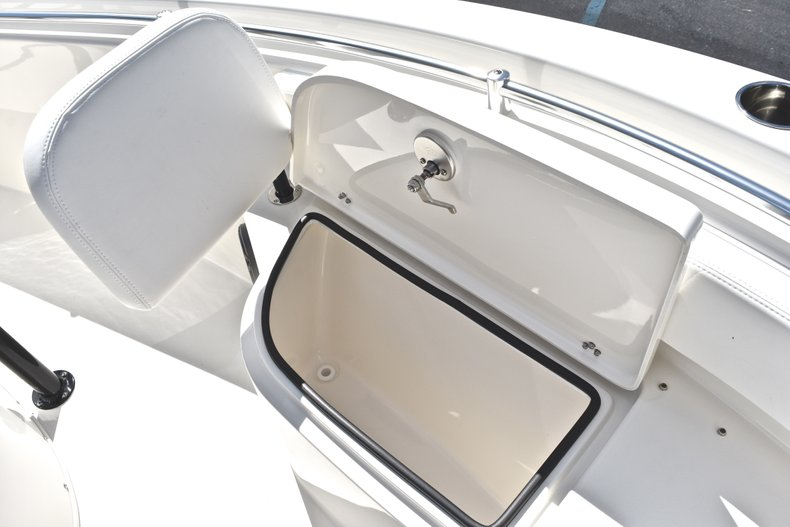 Thumbnail 41 for New 2019 Cobia 220 Center Console boat for sale in Fort Lauderdale, FL