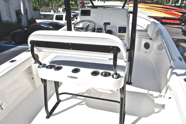 Thumbnail 10 for New 2019 Cobia 220 Center Console boat for sale in Fort Lauderdale, FL
