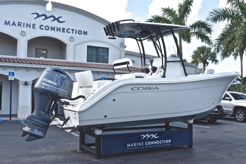 Thumbnail 7 for New 2019 Cobia 220 Center Console boat for sale in Fort Lauderdale, FL