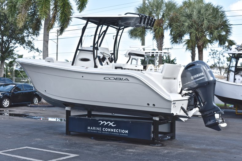 Thumbnail 5 for New 2019 Cobia 220 Center Console boat for sale in Fort Lauderdale, FL
