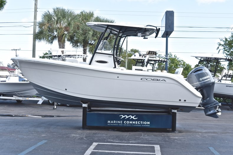 Thumbnail 4 for New 2019 Cobia 220 Center Console boat for sale in Fort Lauderdale, FL