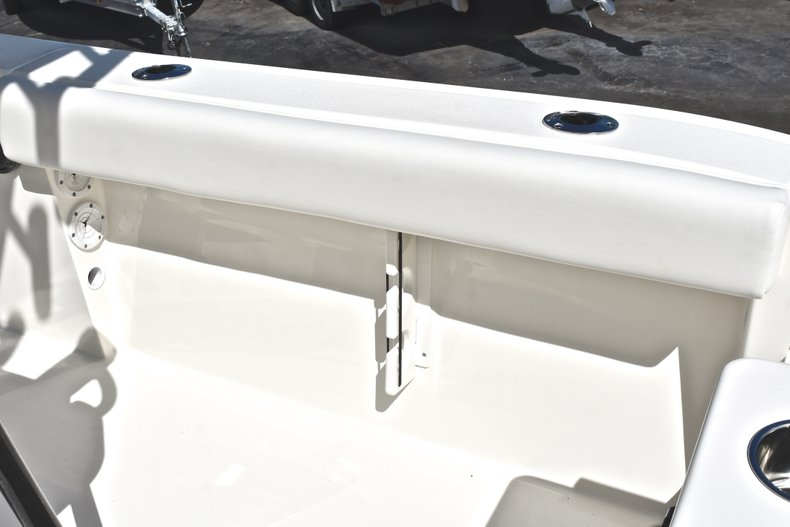 Thumbnail 16 for New 2019 Cobia 220 Center Console boat for sale in Fort Lauderdale, FL