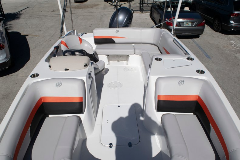 Image 47 for 2017 Hurricane SunDeck Sport SS 188 OB in Fort Lauderdale, FL