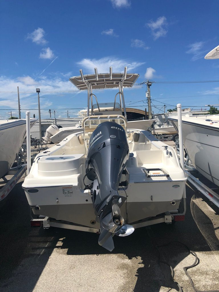Thumbnail 2 for Used 2018 NauticStar 22XS boat for sale in Fort Lauderdale, FL