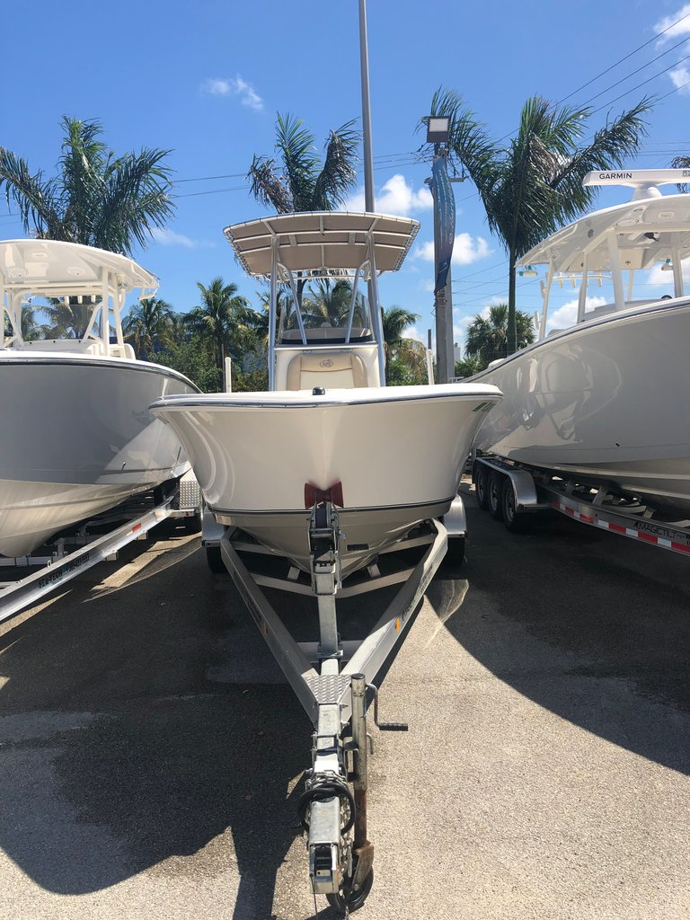 Thumbnail 9 for Used 2018 NauticStar 22XS boat for sale in Fort Lauderdale, FL