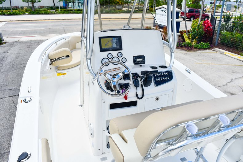 Thumbnail 23 for Used 2018 NauticStar 22XS boat for sale in Fort Lauderdale, FL