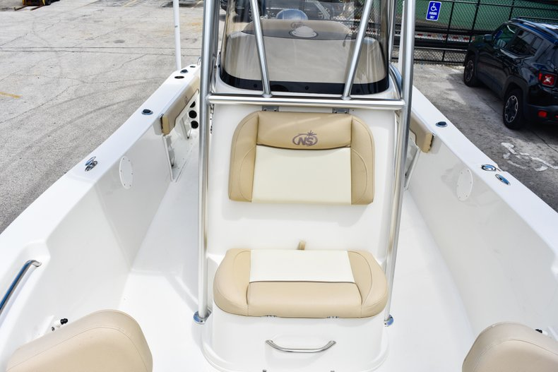 Thumbnail 52 for Used 2018 NauticStar 22XS boat for sale in Fort Lauderdale, FL