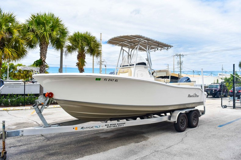 Thumbnail 3 for Used 2018 NauticStar 22XS boat for sale in Fort Lauderdale, FL