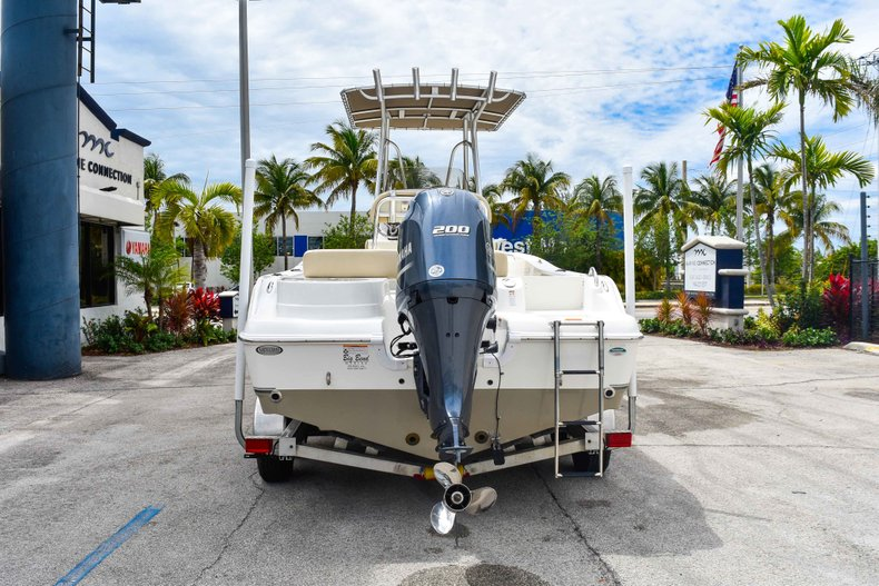 Thumbnail 6 for Used 2018 NauticStar 22XS boat for sale in Fort Lauderdale, FL