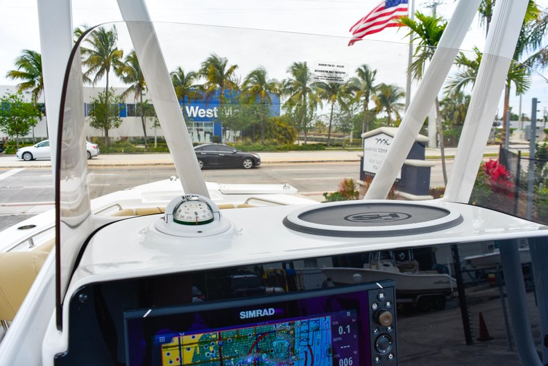 Thumbnail 37 for Used 2018 Sea Hunt 234 Ultra boat for sale in Fort Lauderdale, FL