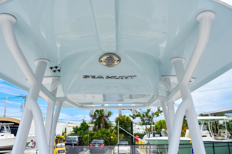 Thumbnail 74 for Used 2018 Sea Hunt 234 Ultra boat for sale in Fort Lauderdale, FL