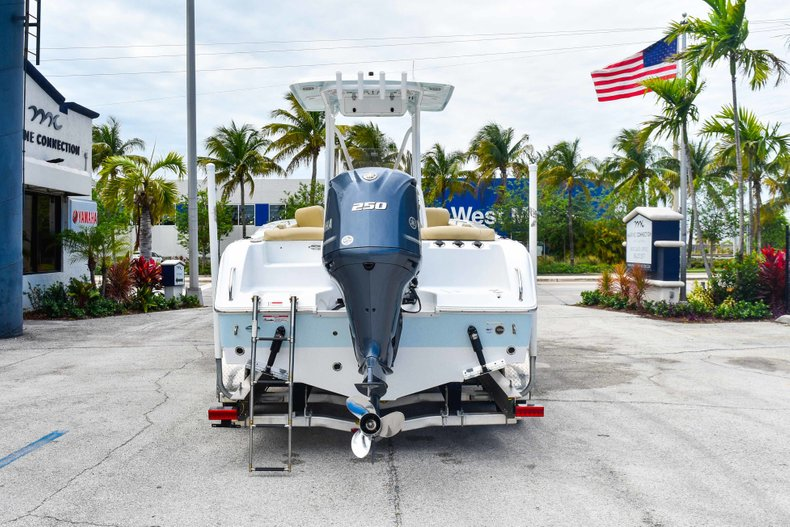 Thumbnail 7 for Used 2018 Sea Hunt 234 Ultra boat for sale in Fort Lauderdale, FL