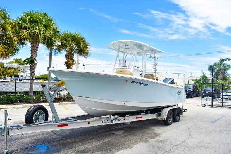 Thumbnail 3 for Used 2018 Sea Hunt 234 Ultra boat for sale in Fort Lauderdale, FL