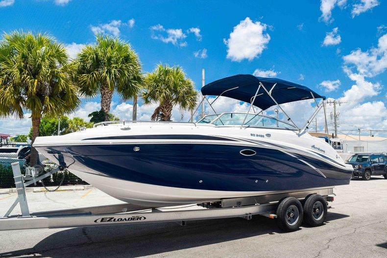 Thumbnail 3 for New 2019 Hurricane SunDeck SD 2486 OB boat for sale in Fort Lauderdale, FL