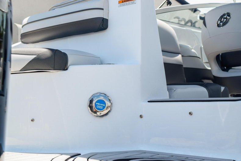 Thumbnail 10 for New 2019 Hurricane SunDeck SD 2486 OB boat for sale in Fort Lauderdale, FL