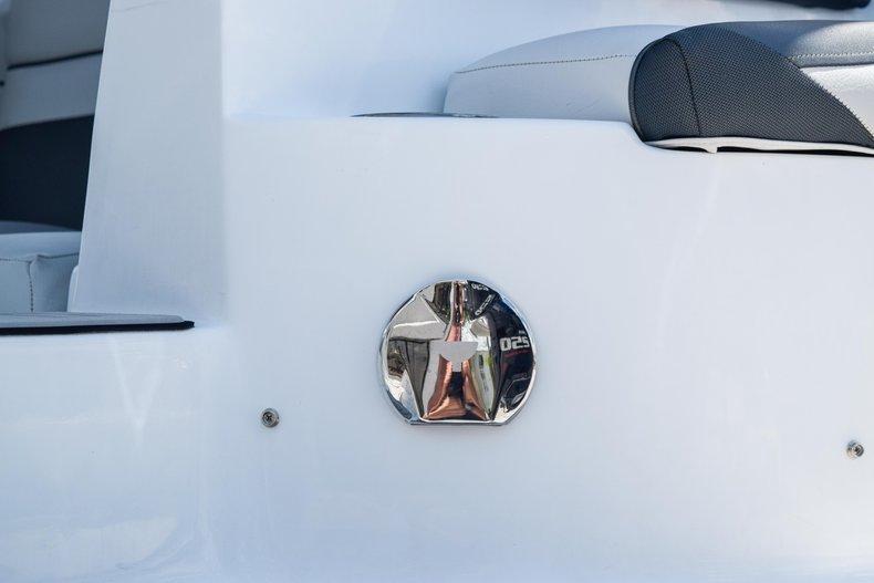 Thumbnail 11 for New 2019 Hurricane SunDeck SD 2486 OB boat for sale in Fort Lauderdale, FL