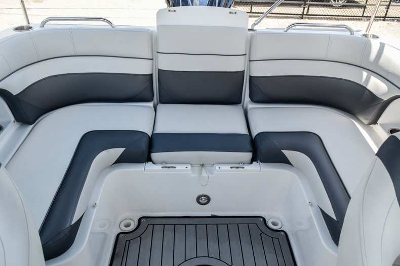 Thumbnail 22 for New 2019 Hurricane SunDeck SD 2486 OB boat for sale in Fort Lauderdale, FL