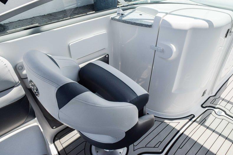 Thumbnail 29 for New 2019 Hurricane SunDeck SD 2486 OB boat for sale in Fort Lauderdale, FL