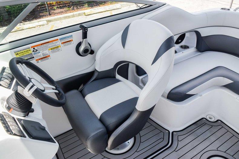 Thumbnail 36 for New 2019 Hurricane SunDeck SD 2486 OB boat for sale in Fort Lauderdale, FL