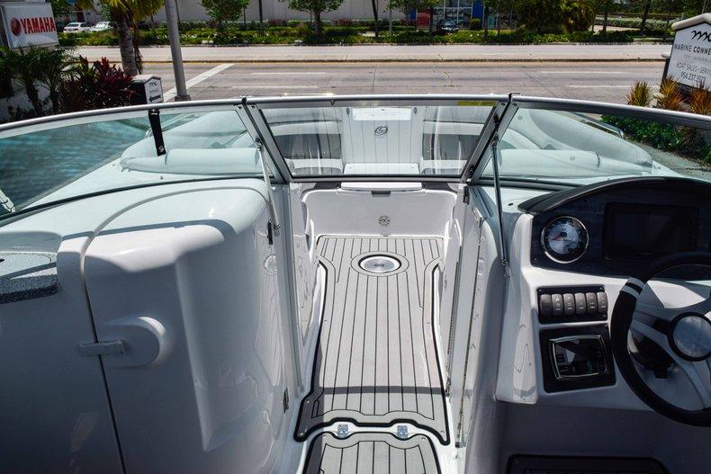 Thumbnail 56 for New 2019 Hurricane SunDeck SD 2486 OB boat for sale in Fort Lauderdale, FL